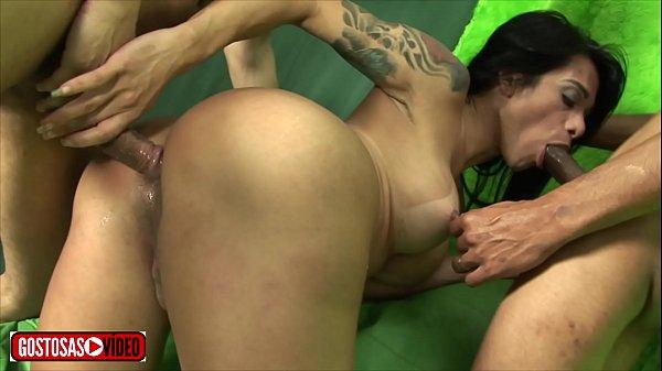 Xvideos orgia com travesti brasileira gostosa